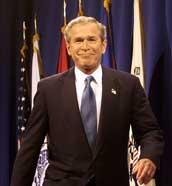 Bush må gi inntrykk av å være optimistisk og handlekraftig. Her er han på vei til å holde talen (Scanpix/AP)