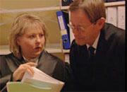 Politiadvokat Monica Hanø og stasadvokat Pål Berg under rettssaken. Foto: NRK