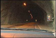 Den planlagte åpninga av Rotsethorntunnelen trues av dårlig brannsikring. Foto: Bernt Baltzersen