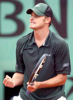 Andy Roddick under kampen mot Olivier Mutis. (Foto: AP/Scanpix)