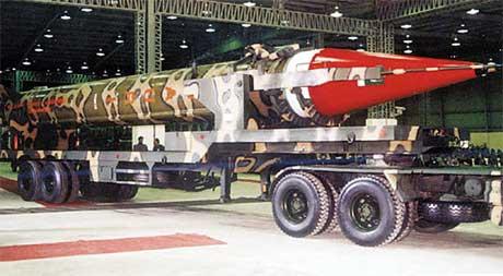 PRØVE: Pakistan har testavfyrt en Ghauri-rakett med en rekkevidde på 1500 kilometer. India er trolig ikke glad for det. (Foto: AFP Photo)