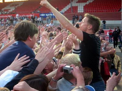 Bryan Adams var konge av Brann stadion 1. juni. Foto: Sissel Rikheim, NRK.