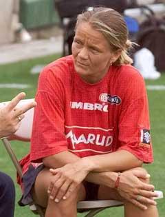 Linda Medalen mener at Åge Steen er feil mann i jobben. (Foto: Terje Bendiksby, SCANPIX)