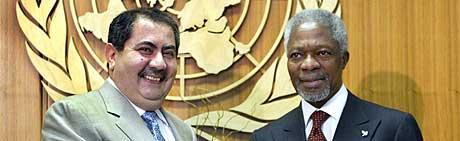 - USA og Storbritannias forslag er tilstrekkelig, sa Iraks utenriksminister Hoshyar da han møtte FNs generalsekretær Kofi Annan fredag. (Foto: AFP/Timothy A. Clary)