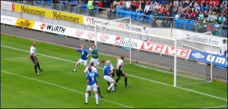 Molde på et av sine mange angrep uten å lykkes. Foto: Gunnar Sandvik