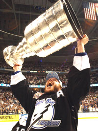 Fredrik Modin er den 20. svensken som kan ta med seg Stanley Cup-trofeet hjem til Sverige (Foto: Scanpix)