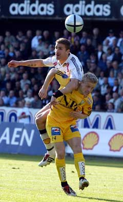 Azar Karadas og Rosenborg var ett nummer for store for Kristoffer Paulsen og Bodø/Glimt: (Foto: Gorm Kallestad / SCANPIX)