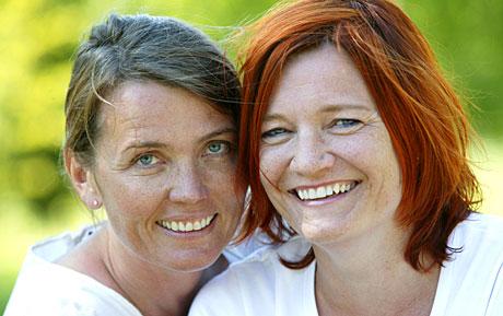 Kari Slaatsveen og Barbara Jahn gjør comeback som programlederduo i Reiseradioen i sommer. (Foto: Ole Kaland, NRK)