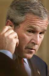 Bush er i konflikt med høyesterett (Foto: J. Reed, Reuters)