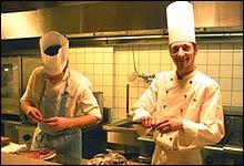 Ikke på piknik: Kokken Ove jobber til daglig på Spisestedet Feinschmecker i Oslo. Da har han på kokkelue.