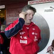 FFK-Trener Knut Torbjørn Eggen var både skuffet og bekymret etter Tromsø-kampen. Både Trondsens skade og et lekk forsvar skaper trøbbel for Eggen. (Foto: Lise Åserud / SCANPIX )