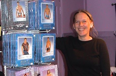 Kristin Sandsbråten har åpnet ny butikk i Hallingdal. Foto: NRK.