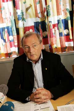 Idrettspresident Karl-Arne Johannessen svinger sparekniven. (Foto: Tor Richardsen / SCANPIX)