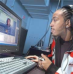 Rapperen Ludacris vil at folk skal laste ned musikken hans på lovlig vis. Foto: Scanpix.