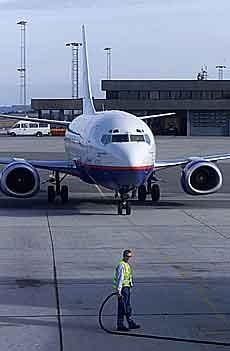 Braathens Boeing 737 på Flesland Lufthavn. Foto: Morten Holm / SCANPIX