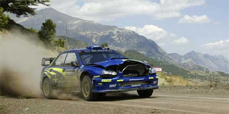 Petter Solberg kjørte gjennom en bekk som var dypere enn det han trodde. Dermed mistet han kontroll over bilen og kjørte av veien. Dette tapte han rundt 40 sekunder på. Foto:Håkon Mosvold Larsen / SCANPIX