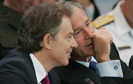 Storbritannias Tony Blair og USAs George W. Bush har stått sammen i krigen mot Irak. Foto: AFP/Scanpix.