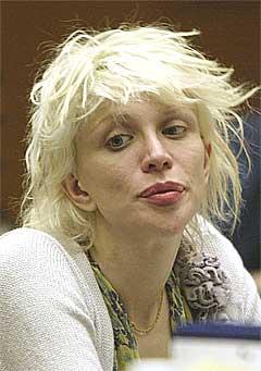 Courtney Love har vært en gjenganger i amerikanske rettssaler de siste åra. Nå vil hun på rett kjøl. Foto: Scanpix.
