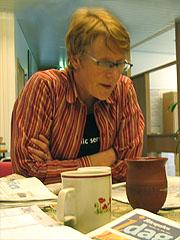 Når dei 10 medarbeidarane i Norgesglasset samlar seg til morgonmøte på Tyholt i Trondheim, er det Ida som er sjefen. Foto: Per Kristian Johansen, NRK