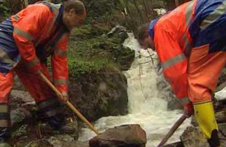 Tinnordføreren mener kommunen trenger Statens Vegvesen på Rjukan. Her fra flommen i våres.