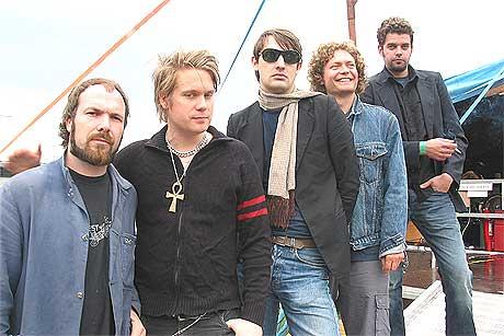 Ricochets på Roskilde 2004. Fra venstre: Knut Olsen (bass), Alexander George (trommer), Alexander Kloster-Jensen (gitar), Svenn Poppe (orgel/piano) og Trond Andreassen (vokal). Foto: Christoffer Apneseth / SCANPIX