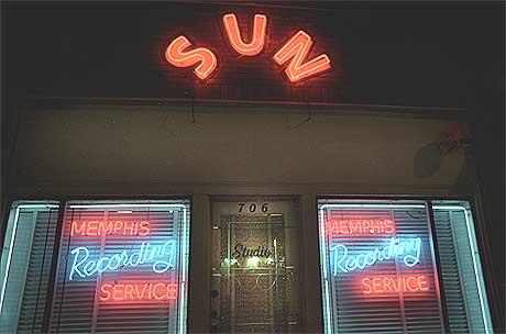 Her, i Sun-studioet i Memphis, Tennessee, ble rocken født av blues - da Elvis 5. juli 1954 spilte inn «That s All Right». Foto: Gitte Johannessen, NTB.