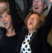 Anne Selnes og hennes kolleger jubler for universitetet. (Foto: NRK)
