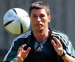 Markus Merk kan også trikse med ballen. (Foto: AP/Scanpix)