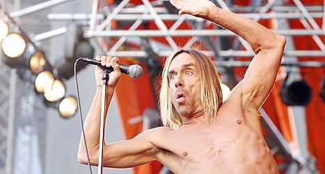 Iggy Pop og The Stooges på Roskildes orange scene 2004. Foto: Jørn Gjersøe, nrk.no/musikk.