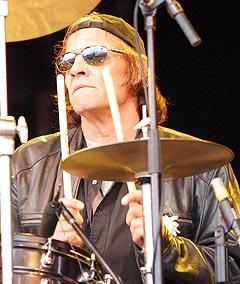 Trommis Scott Asheton i The Stooges. Foto: Jørn Gjersøe, nrk.no/musikk.