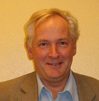 Varaordfører Åge Rosnes vil at Askøy skal bruke mindre penger på private tjenester.