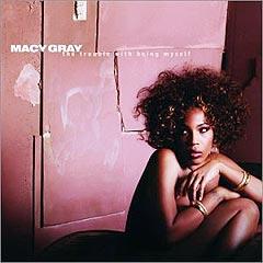 """Naken-stuntet i London kan ha en viss sammenheng med at Macy Gray slipper albumet """"The Trouble With Being Myself"""" 15. juli. Foto: Albumcover."""