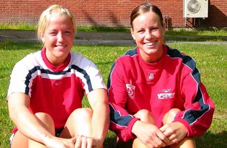 Gjerpenspillerne Heidi Løke (til venstre) og Martine Lervik er blant de ti som skal representere Norge i EM i beachhåndball. Foto: Hans Christian Eide.