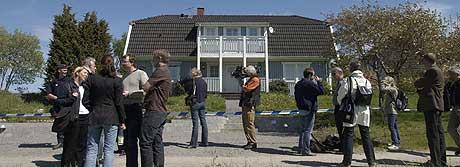 PÅSTAND OM LIVSVARIG FENGSEL: Tidligere i juni var det befaring ved boligen til Knut Fossmo i Knutby. Aktor la i dag ned påstand om livsvarig fengsel for pastoren. (Foto: Scanpix)