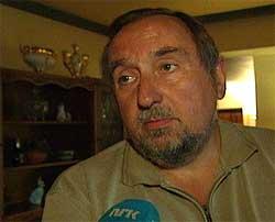 Pistolen er levert til politiet, opplyser privatetterforsker Harald Olsen.