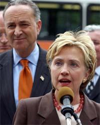 Senator Hillary Clinton kritserer FN-domstolens kjennelse. (Foto: AP/Scanpix)