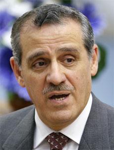 Irak helseminister Alaadin Alwan ber om hjelp. (Foto: Reuters/Scanpix)