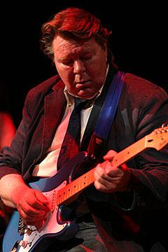 Terje Rypdal, her på Moldejazz i 2004, skal spille sammen med Mari Boine på årets Vossa Jazz. Foto: Arne Kristian Gansmo, NRK.