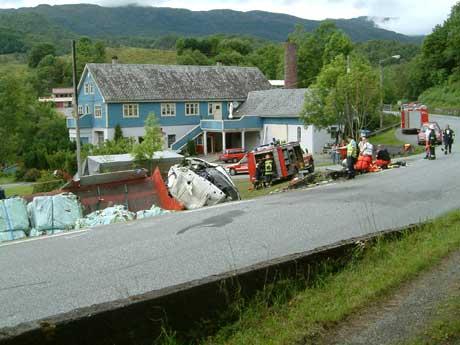 Vogntoget fikk store skader i ulykken. Foto: Steinar Grindheim