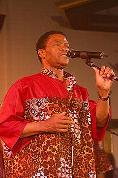 Joseph Shabalala var med å stifte Ladysmith Black Mambazo for 30 år siden. Foto: Arne Kristian Gansmo, NRK.