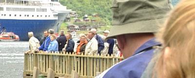Store mengder turistar kjem kvart år til Geiranger.