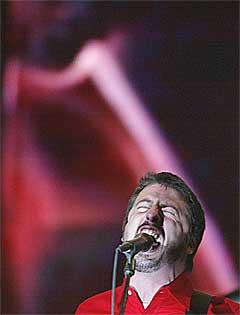 Dave Grohl lover mye nytt. Foto: Scanpix.