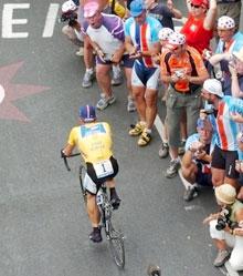 Dette synes Armstrong er en dårlig ide. (Foto:AP Photo/Christophe Ena)