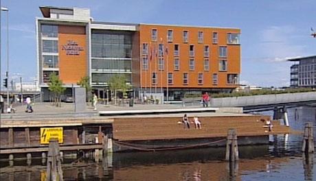 Ingen vil ta ansvaret for den dårlege sikringa på Nedre Elvehavn i Trondheim.