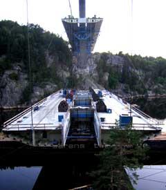 Det er store dimensjoner på arbeidet som i dag utføres på Svinesund. (Foto: Jonas Brenna)