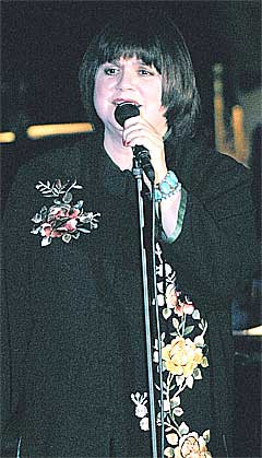 Linda Ronstadt fikk refs for å skryte av Michael Moore. Foto: Scanpix.