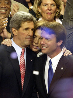 John Kerry med sin visepresidentkandidat John Edwards. (Foto: AFP/Scanpix)