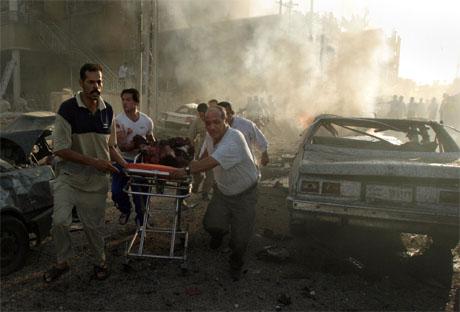Selvmordsbombere har for første gang angrepet kirker i Irak. (Foto: AP/Scanpix)