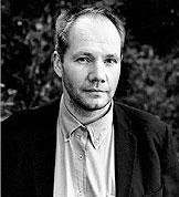 Den svenske forfatteren gjør historien levende, mener anmelder Ole Jan Larsen. (Foto: Universitetsforlaget)