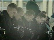 Russiske marinesoldater minnes de døde (Foto: EBU).
